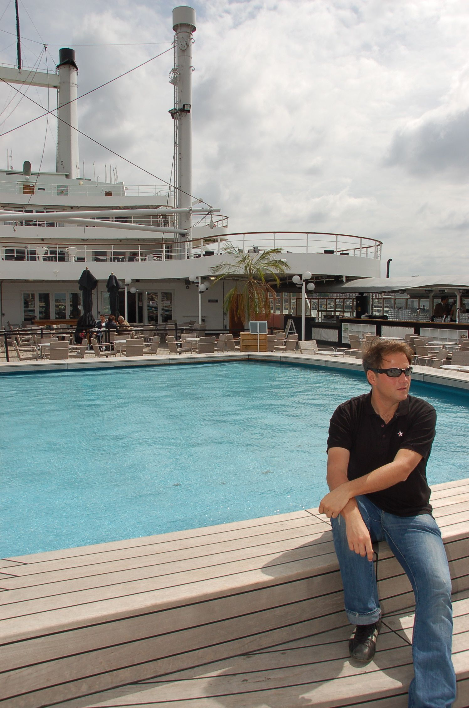 SS Rotterdam02