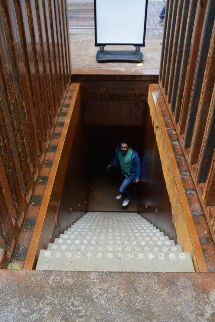 """Treppe abwärts: Auf dem Weg nach """"Dom under"""""""