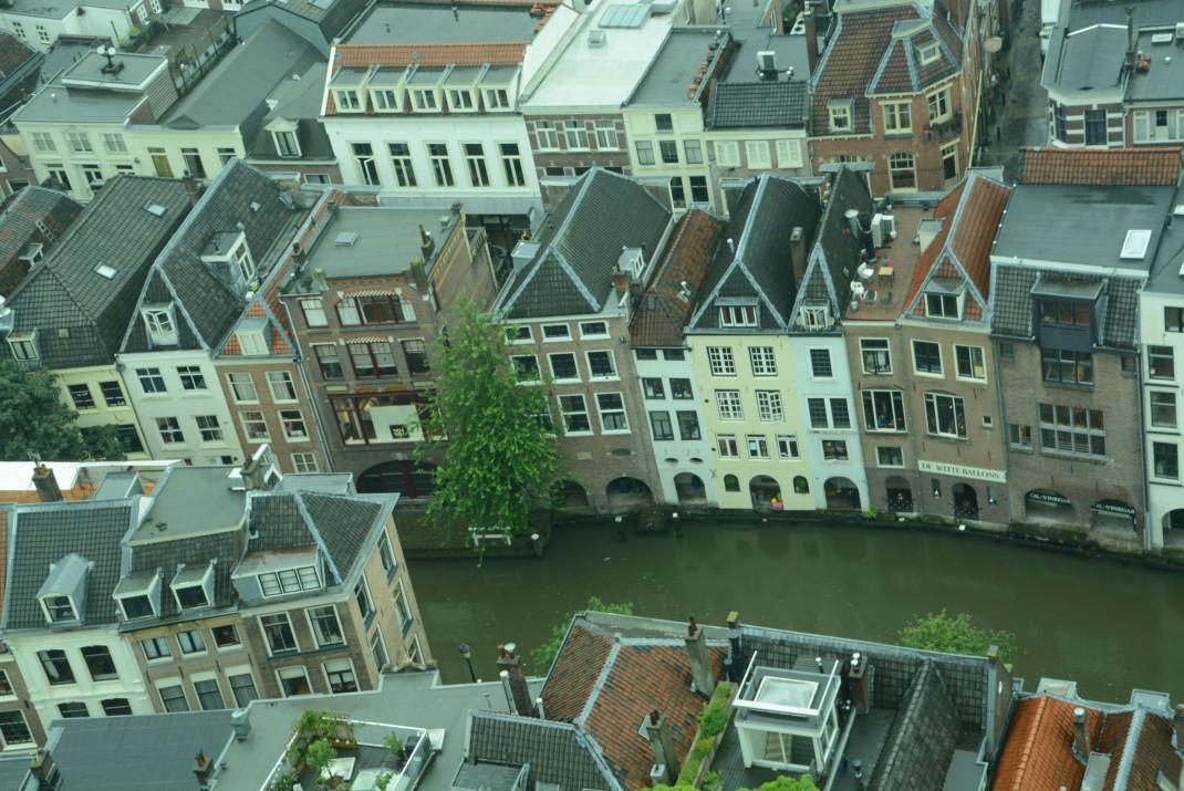 Grachten und Giebel in downtown Utrecht