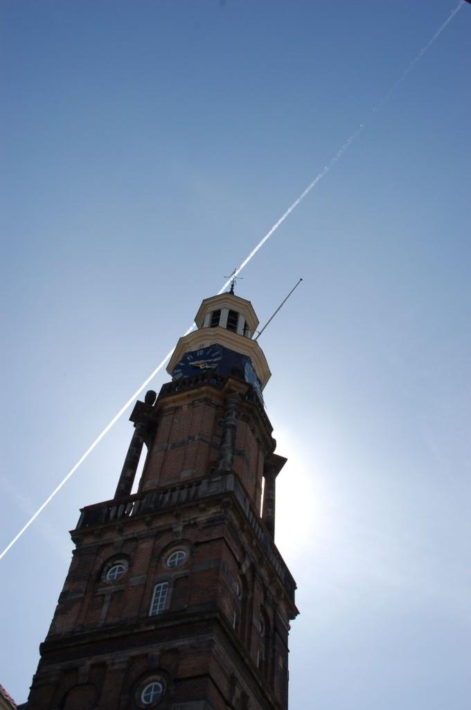 Der Wijnhuistoren aus dem 14. Jahhundert gehörte der örtlichen Gilde