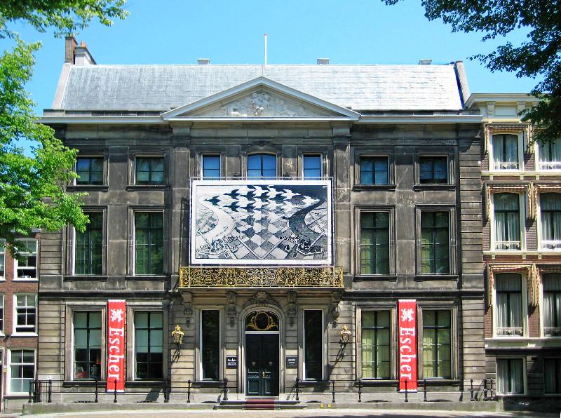 Im ehemaligen Königspalast befindet sich das Museum Escher in het Paleis in Den Haag