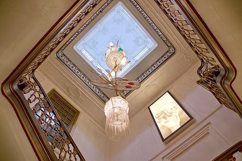 Das spektakuläre Treppenhaus im Museum Escher in het Paleis in Den Haag.