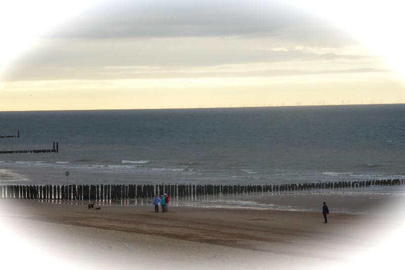 Im Winter hat man den Strand in Domburg fast für sich alleine