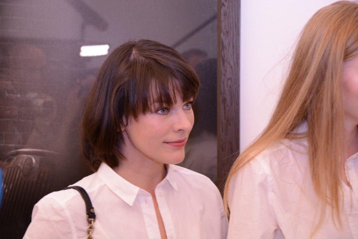 Milla Jovovich stand schon mit 13 vor Lindberghs Kamera. Nun hatte auch ich die Ehre