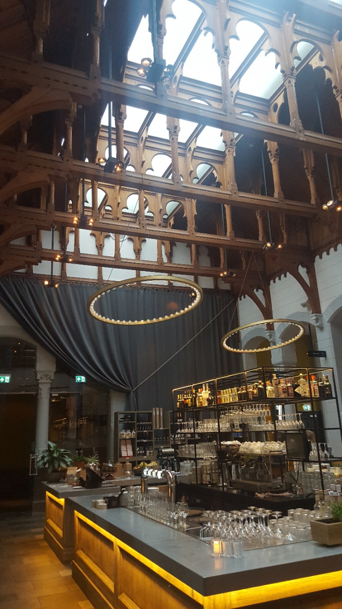 Das Grand Café im Post-Plaza Hotel. Bild: Frida van Dongen