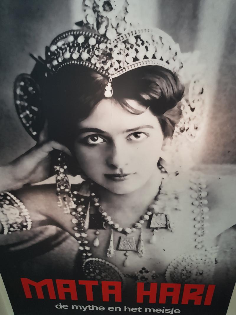 Im Fries Museum in Leeuwarden wird auch die Geschichte Mata Haris erzählt. Bild: Frida van Dongen